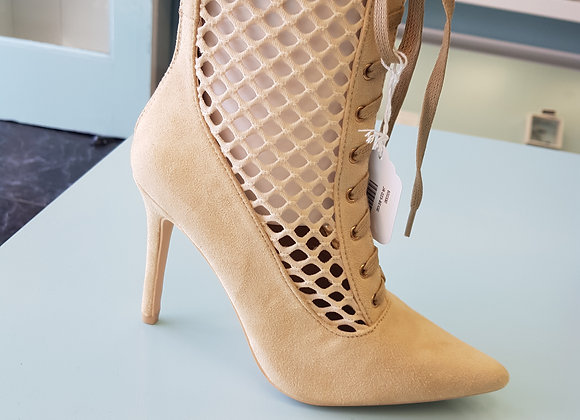 WINTER CREAM HIGH HEEL LACED BOOTS