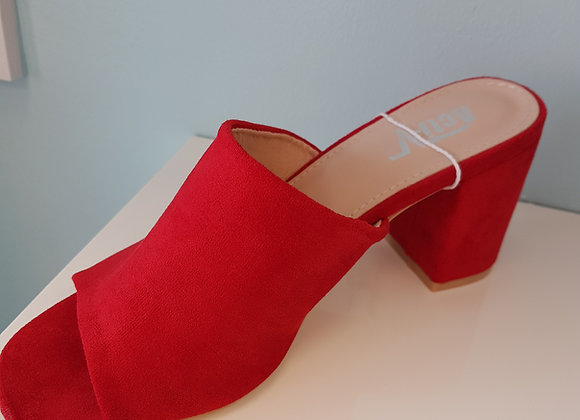 RED BLOCK HEEL MULE