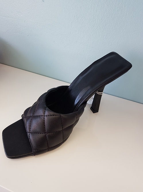 BLACK QUILTED MULES