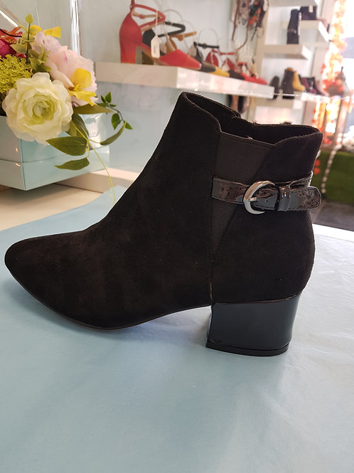 LT140 - BLACK ANKLE BOOT WITH BUCKLE STRAP