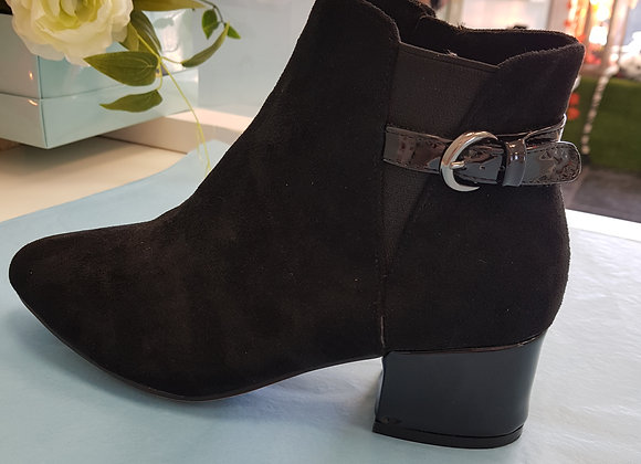 BLACK ANKLE BOOT WITH BUCKLE STRAP