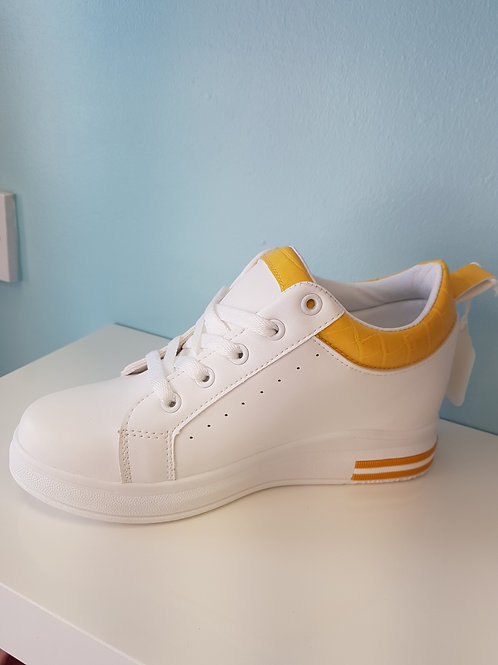 WHITE WEDGE TRAINER WITH YELLOW TRIM