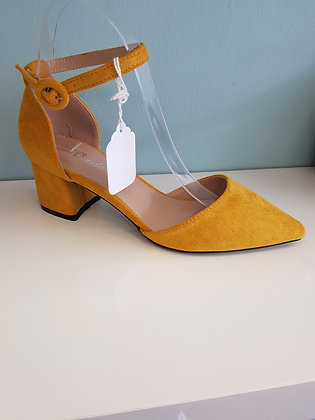 YELLOW MID HEEL WITH ANKLE STRAP