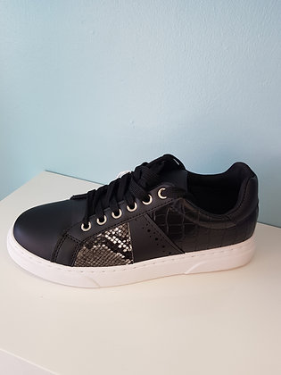 BLACK TRAINER WITH SNAKE SKIN PRINT
