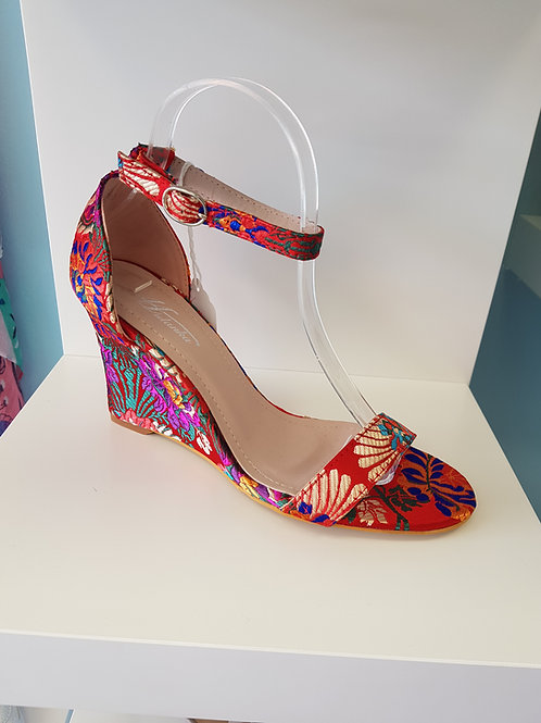RED PATTERNED WEDGE