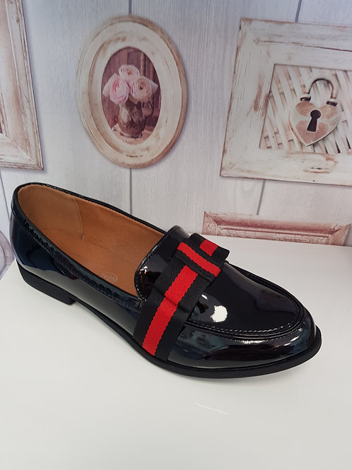 BLACK LOAFER WITH RED AND BLACK STRIPE