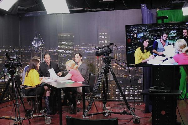 Studio tele - avec eleves - noir.jpg