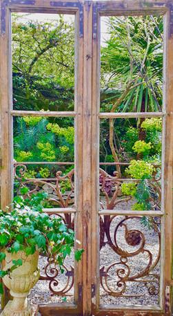 Fenêtre sur jardin / 100x185 / 160 €