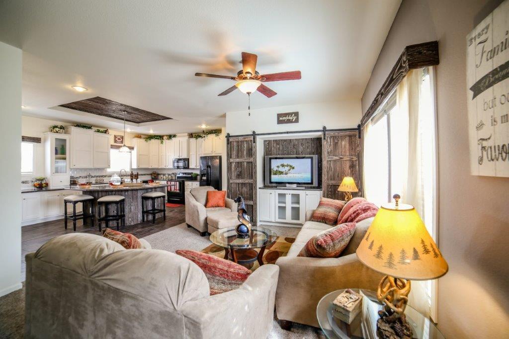 3-living area.jpg
