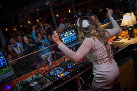 DJ Miss Eddy Pink Jamming