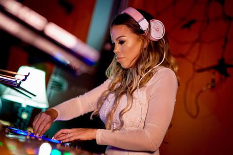 DJ Miss Eddy Pink