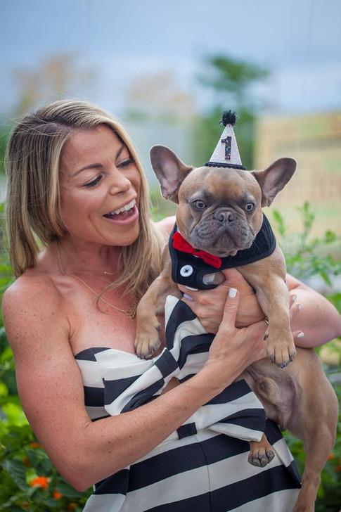 DJ Miss Eddy Pink & doggie, Finn