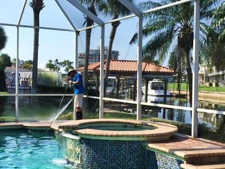 Pros and Cons to Pressure Washing your Florida Home