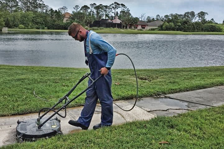 why you should hire a professional to pressure wash your home - dykes pressure cleaning new smyrna beach