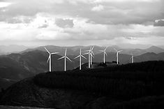 Wind%20Turbines%20in%20the%20Mountains_e