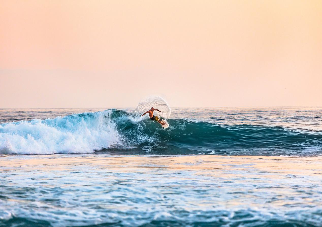 SURFING - INSIDE BALI