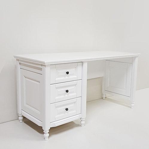 Письменный стол Лилия