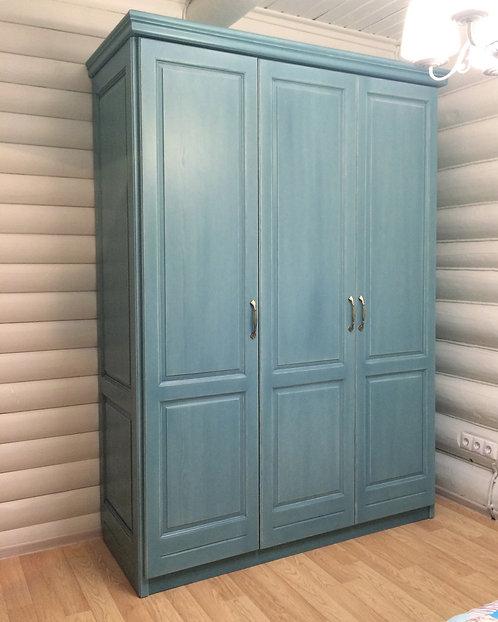 Шкаф платяной трехдверный Вольтер