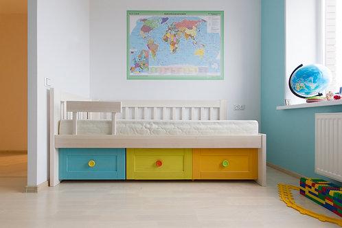 Кровать с выкатными ящиками Кирюшка