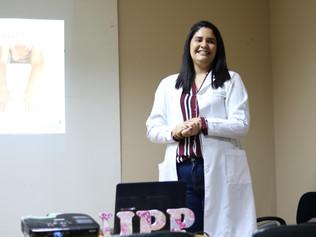 Fisioterapeuta palestra para o Grupo UPP sobre Linfedemas Pós Mastectomia