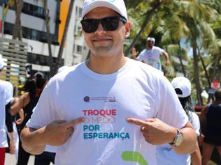 Hospital Cliom participa de ação de Combate ao Câncer na Orla de Maceió