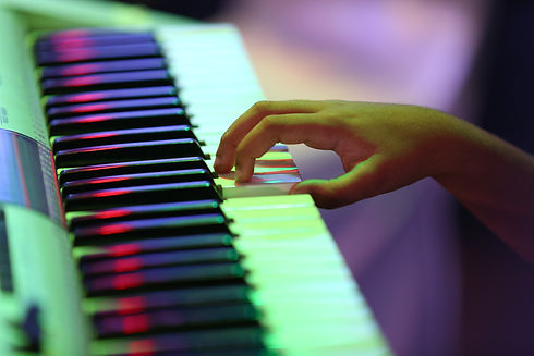 Learn-Piano-Online-Akira-Music.-Academy-