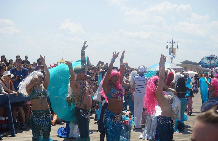 Parade People