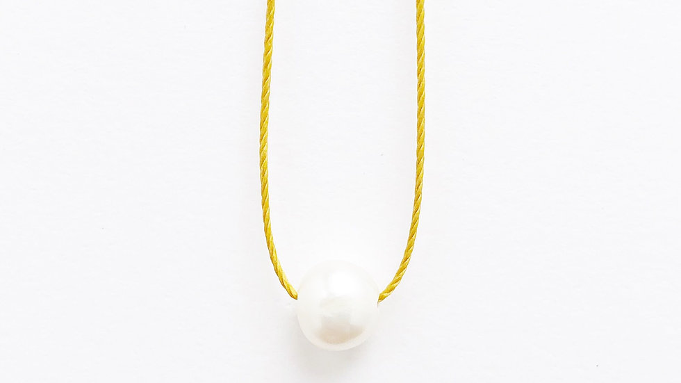 pearl floating bead necklace