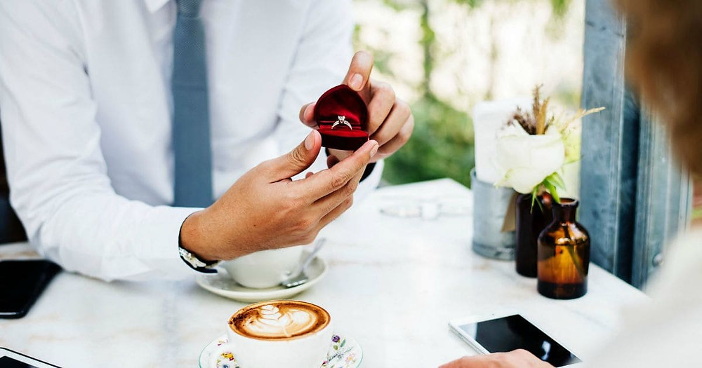 Perfect Engagement Party Planning Tips