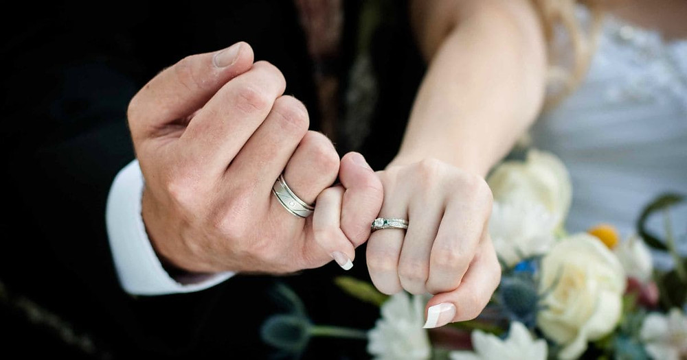 Choosing The Wedding Ring For The Groom