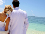 The pros and cons of getting married on a holiday