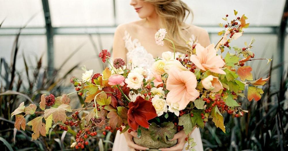 How To Choose A Fall Wedding Dress