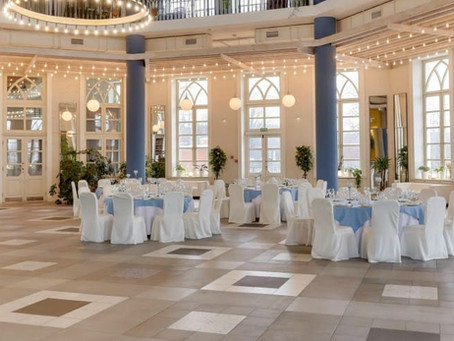 Как украсить свадебный зал недорого и со вкусом