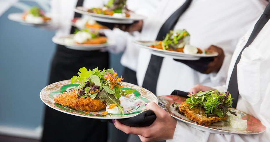 How Much Food Do You Need At Your Wedding