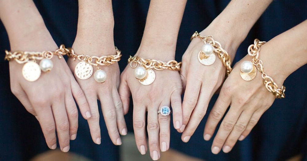 Popular Gifts To Pamper Your Bridesmaids