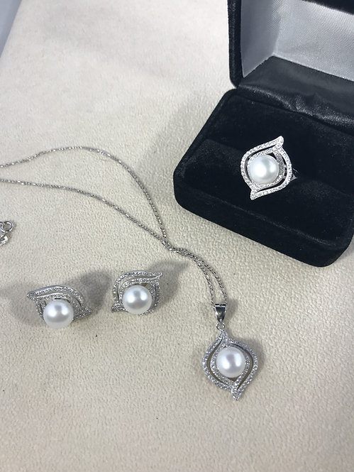 Freshwater Cultured Pearl Cubic Zirconia Set