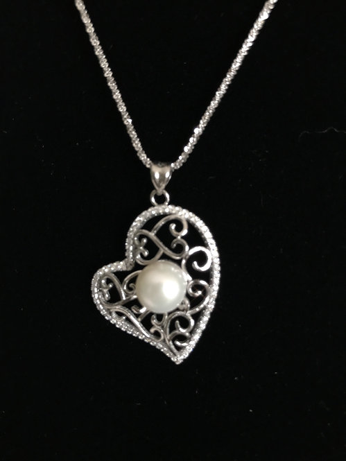 Freshwater Cultured White Pearl Zirconia Heart Necklace