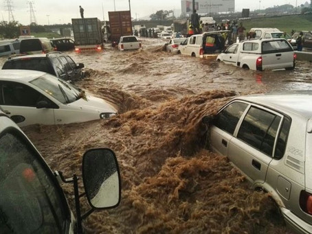 Caught in heavy Joburg rain? Here's what motorists should do