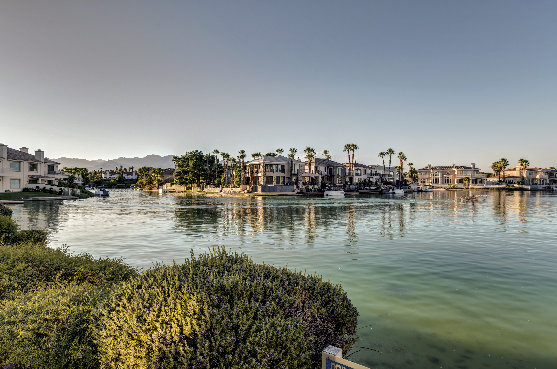 Community Island Photo