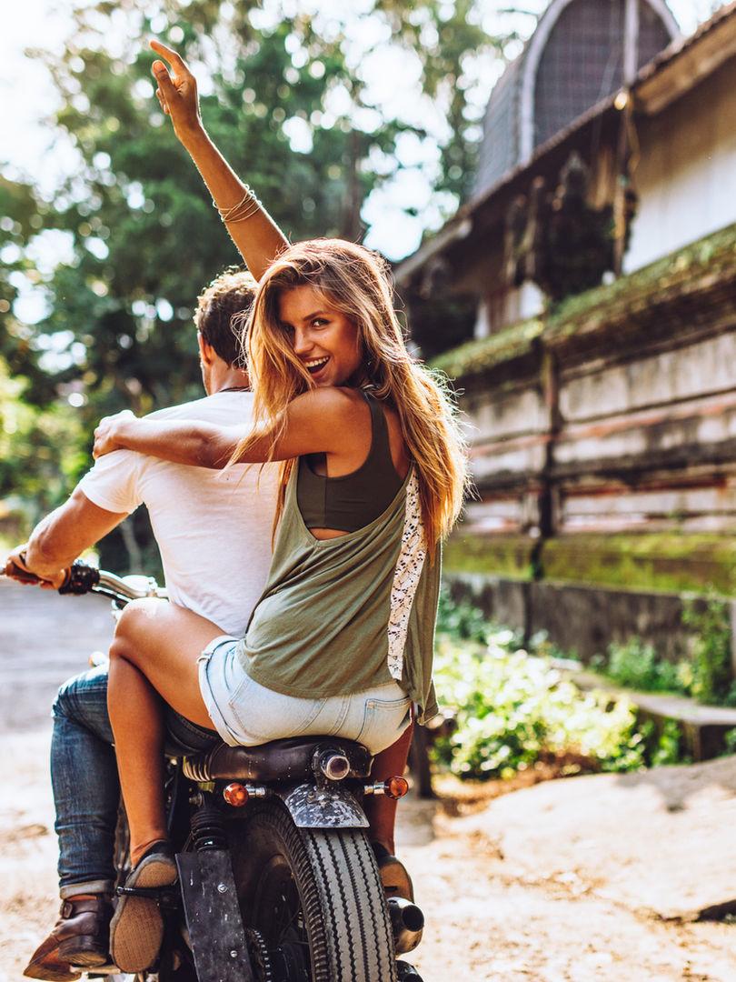 Lightroom-CC-Presets-Women-smiling-bike-