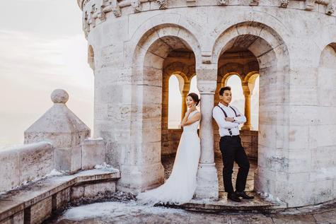 Wedding-Lightroom-Preset-Bride-Groom-Old-Church-Sunset