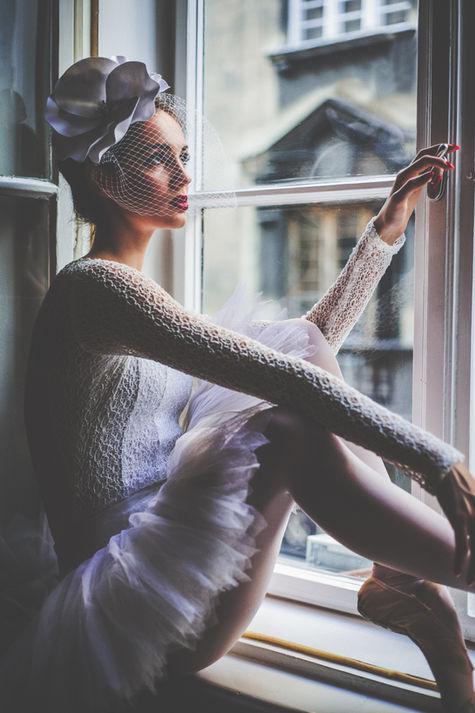 Lightroom-Portrait-Presets-Ballerina-sit
