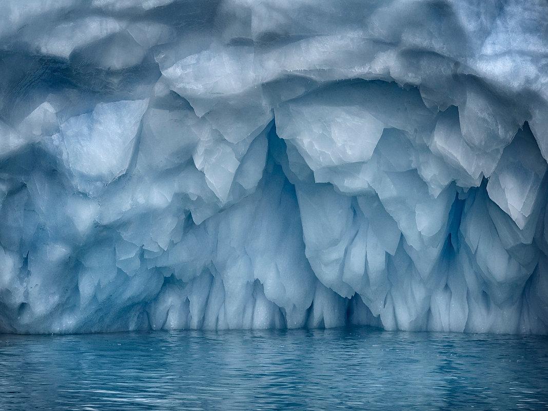 23.+Iceberg,+Near+Cuverville,+Island,+An