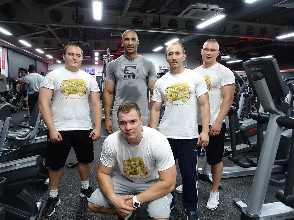 #MuscleMassBrothers #FridayTraining