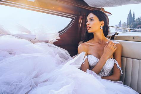 Presets-for-Wedding-Bride-in-boat.jpg