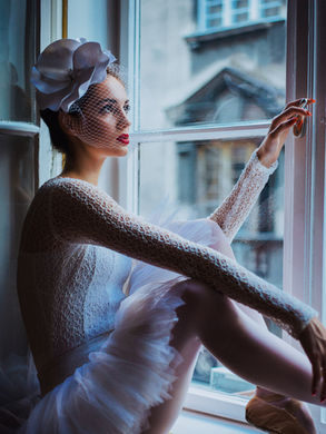 Lightroom-CC-Presets-Ballerina-sitting-w