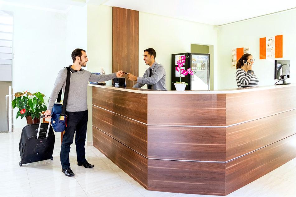 Recepção_Hotel_Stelati.JPG