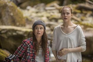 Ellen Page & Evan Rachel Wood (Into the Forest)