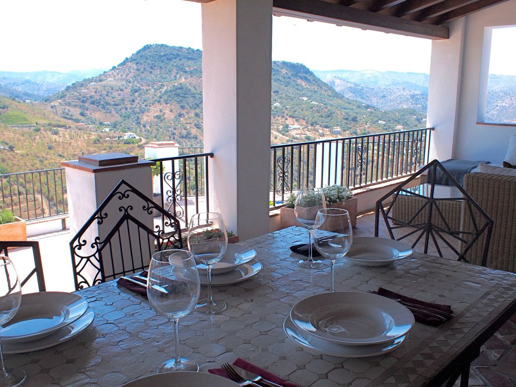 Dining table Upper terrace