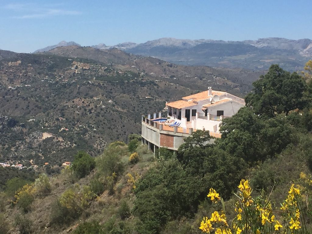 Casa Mendoza in the hills